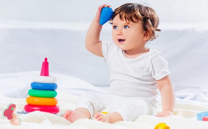 พัฒนาการเด็ก 13 เดือน คุณแม่รู้ไหม ลูกน้อยทำอะไรได้บ้าง